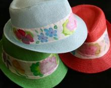 Borsalinos de colores con tira de seda pintada amano