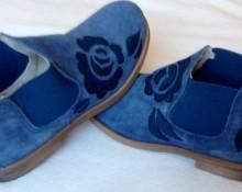 botas ante azules