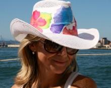 sombrero ala con flores